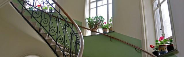 mietminderung bauarbeiten im treppenhaus renovierung im hausflur. Black Bedroom Furniture Sets. Home Design Ideas