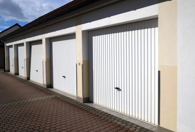 thema garage und parkplatz. Black Bedroom Furniture Sets. Home Design Ideas